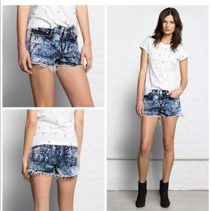 rag & bone Acid wash blue denim shorts Size 24